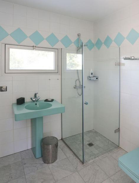 salle de bain et toilette individuelles dans chaque chambre, maison d'hôtes